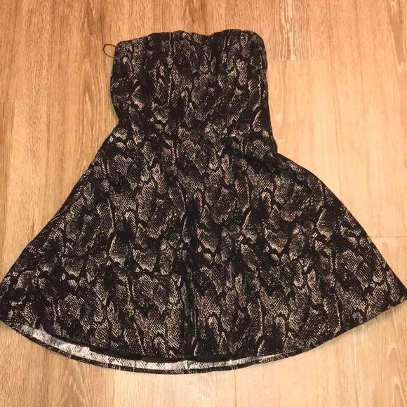 Express Dresses & Skirts - Express Snake print strapless dress